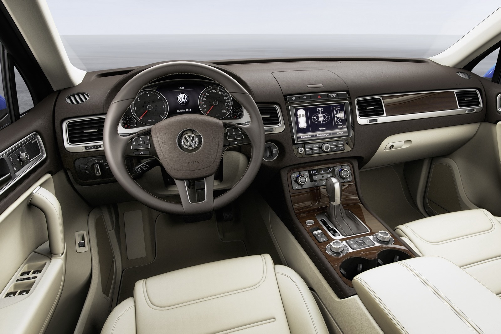 interieur volkswagen touareg 2014 touareg 4x4 annonces forum actualit s. Black Bedroom Furniture Sets. Home Design Ideas